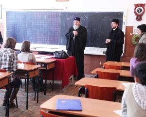 Reprezentantii elevilor acuza Patriarhia ca a facut presiuni pentru inscrierea elevilor la ora de Religie