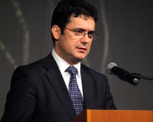 Ministrul Educatiei acuzat ca nu foloseste cifre reale pentru prezentarea bugetului pe 2014