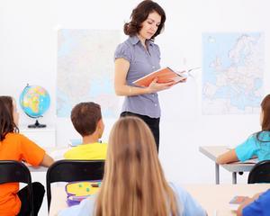 Negocierile pentru majorarea salariilor din invatamant au fost amanate. De cand pot primi profesorii salarii mai mari