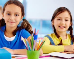 Succesul scolii finlandeze, acum si in Romania. Scoala romaneasca in care elevii isi aleg cursurile, au loc de joaca si orele dureaza 45 de minute