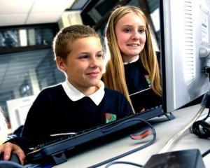 Guvernul introduce o noua disciplina obligatorie pentru elevi din toamna