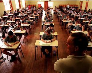 Cand incep inscrierile pentru sesiunea speciala a examenului de Bacalaureat 2015