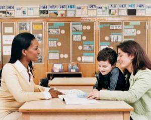 Sfaturi pentru parinti: cum imbunatatim relatia dintre copii si profesori