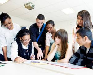 Subiectele pentru simularea la Bac si Evaluare Nationala nu contin mai multe capitole importante din programa scolara