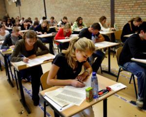 Simularile nationale pentru Evaluarea la clasa a a VIII-a incep saptamana viitoare
