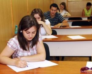 Premiera in educatie: Elevii de clasa a XI-a se pregatesc pentru simulare