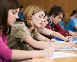 Simularile de la clasa a VIII-a ajuta la imbunatatirea rezultatelor elevilor la Evaluarea Nationala