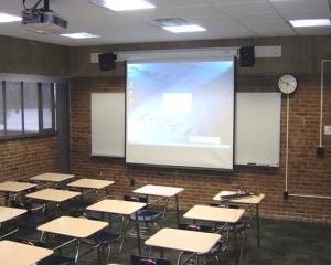 Inca doua sali de clasa inteligente la Colegiul