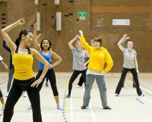 Programul pentru liceeni care ii invata sa adopte un stil de viata sanatos si sa faca sport