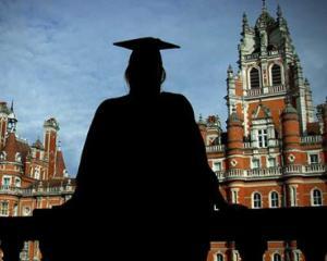 Studiu: Studentii romani se simt discriminati in strainatate?