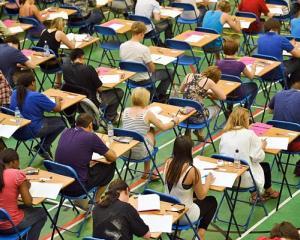 Subiecte de acelasi tip la Bac si Evaluare Nationala 2014