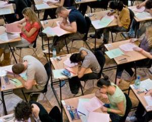 Subiectele si rezolvarile la Evaluarea Nationala la matematica au fost publicate pe internet la inceputul examenului