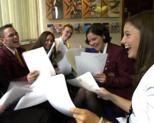 Ce subiecte au primit elevii la simularea pentru Bacalaureat 2014