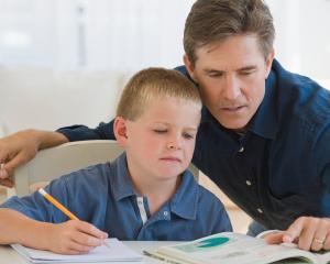 Cum poate influenta tatal succesul scolar al copilului