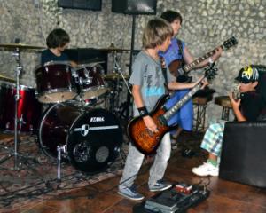 Incepe Tabara urbana Rock School
