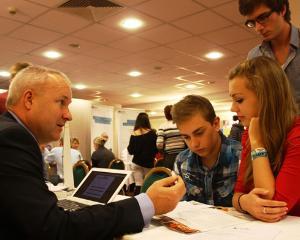 Targ de scoli si universitati din Marea Britanie pentru elevii romani