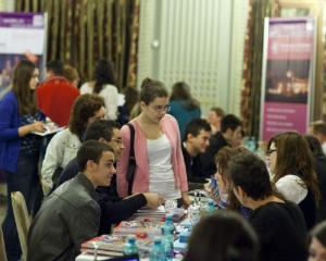 Targul International World Education recruteaza cei mai buni elevi romani