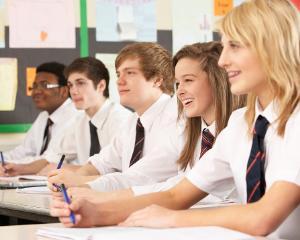 APC analizeaza taxele de scolarizare din invatamantul superior