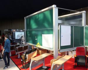 Incepe Targul Educational TEB EXPO 2014: oferte de manuale, table interactive si apartura pentru laboratoarele scolare