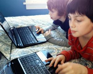 De ce ii impiedica tehnologia moderna pe copii sa scrie corect