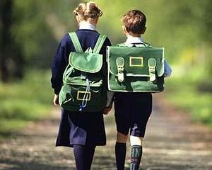 Sfaturi de la specialisti pentru garderoba potrivita pentru scoala si gradinita
