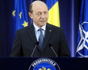 De ce a decorat Traian Basescu o educatoare