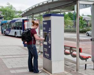 Ce se intampla cu reducerea de 50% la transportul in comun si bursele sociale pentru studenti
