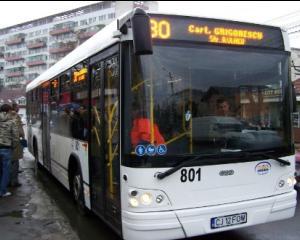 Elevii din Cluj  primesc abonamente gratuite pentru transportul in comun