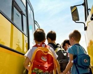 Cum vor parlamentarii sa faca mai sigur pentru copii transportul la scoala