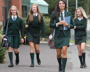 Cand devine uniforma scolara obligatorie