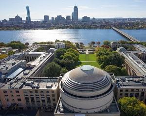 Olimpic roman, admis cu bursa la MIT, Stanford si Harvard. Ce facultate a ales sa urmeze