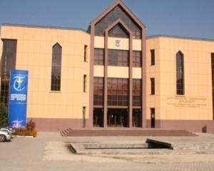"Admitere la Universitatea ""Transilvania"" din Brasov: 4.000 de locuri la buget in anul universitar 2014-2015"