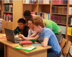 Cum raspund universitatile nevoii acute de specializare a studentilor
