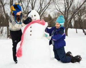 Elevii din invatamantul preuniversitar intra vineri in vacanta de iarna 2014