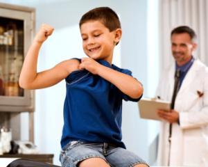 Ministerul Sanatatii anunta sanctiuni pentru parintii care refuza vaccinarea copiilor
