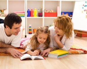Vesti bune pentru cei care au copii. Ce lege le-ar putea permite sa petreaca mai mult timp cu cei mici