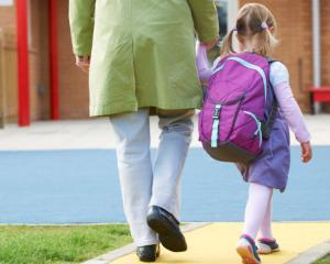 Parintii NU primesc liber de la serviciu la inceputul anului scolar. Guvernul a avizat negativ propunerea