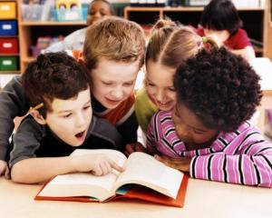 """""""Liniste, copiii citesc!"""", campania initiata pentru Ziua Internationala a Cartii pentru Copii si Tineret"""